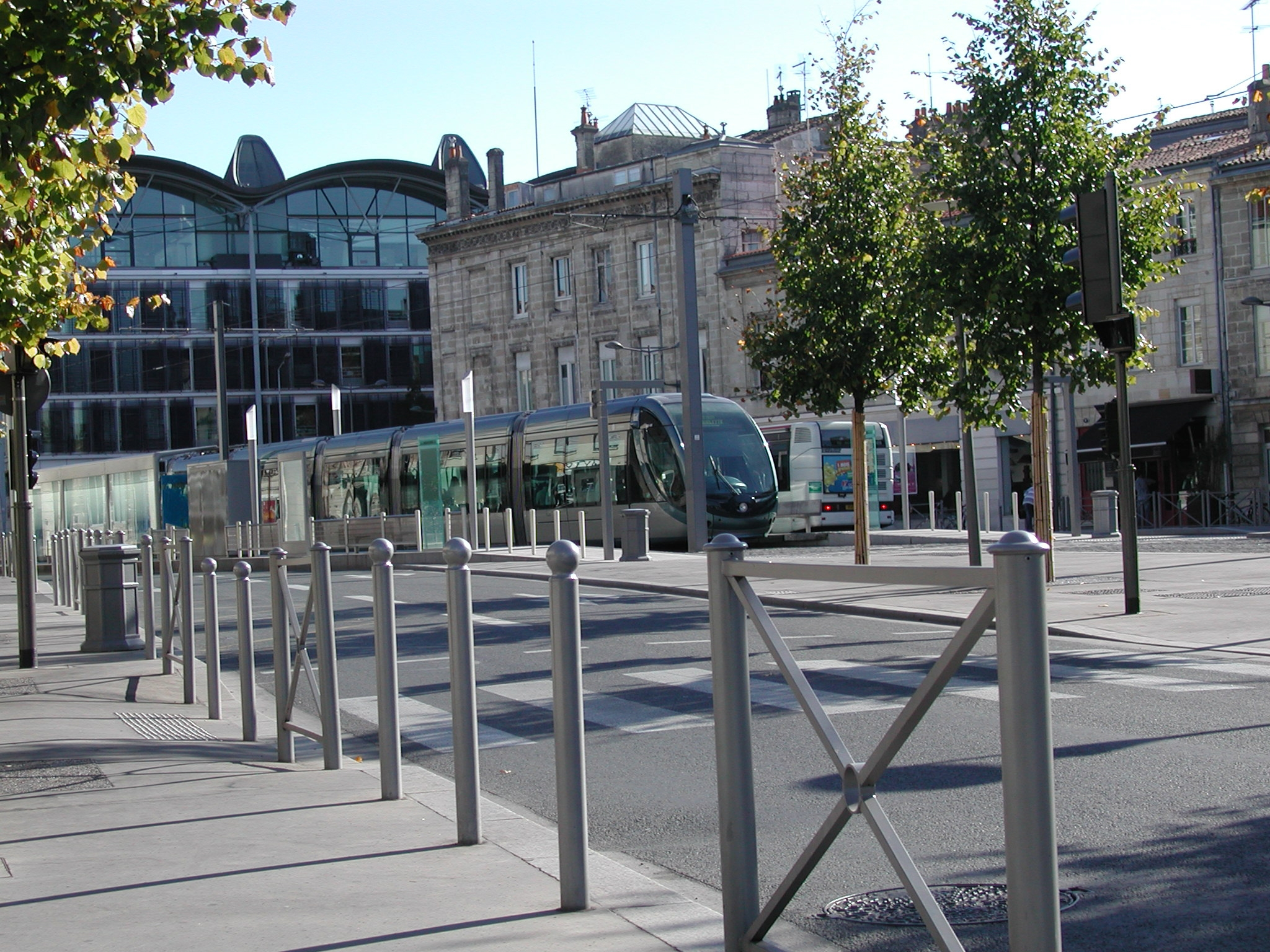 Proville mobilier urbain Phase 1 tramway de Bordeaux