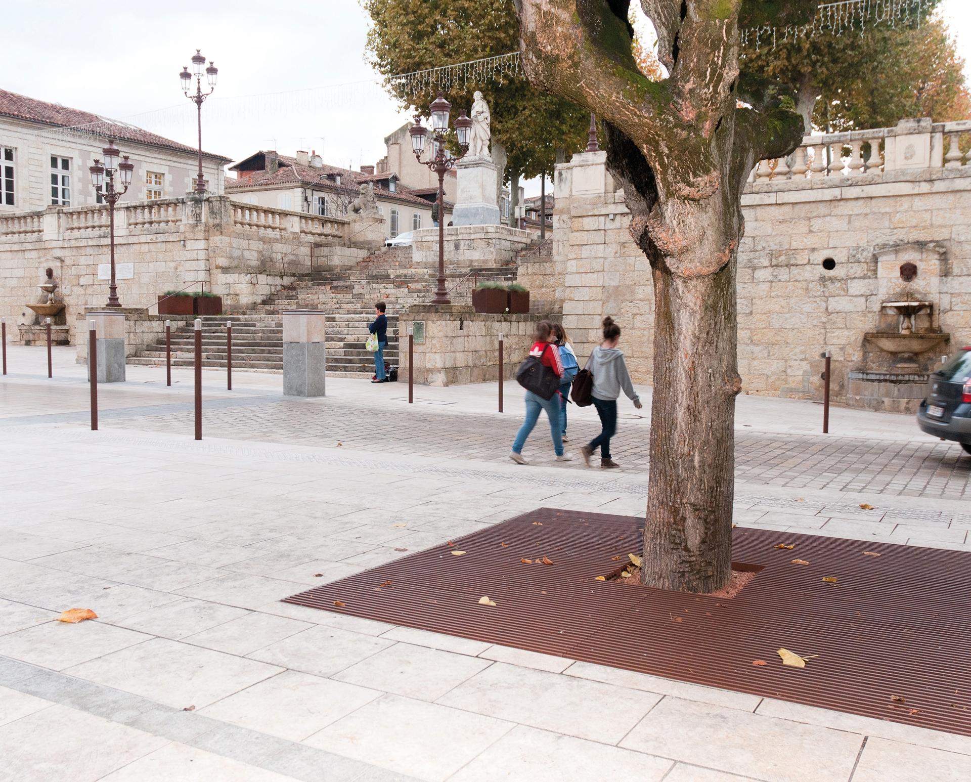 Auch Place de la libération