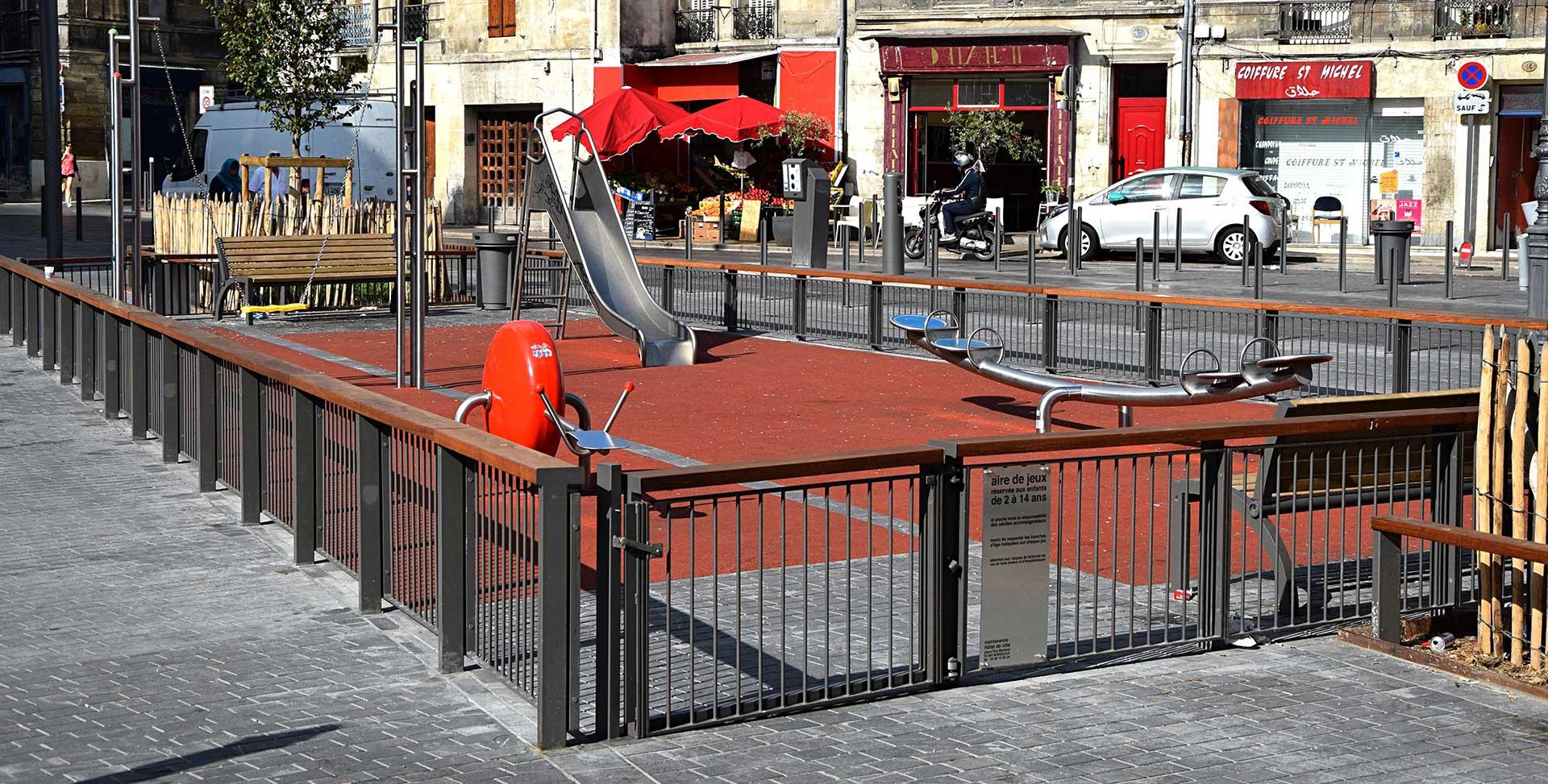 Bordeaux Place Saint Michel